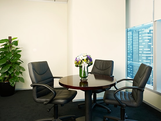 meeting-room-marina-bay-financial-centre-singapore-555x416.png